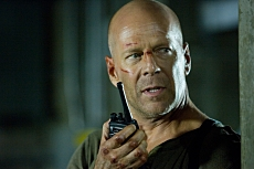 Bruce Willis in Die Hard 4.0 TM and © 2007 Twentieth Century Fox. All rights reserved.