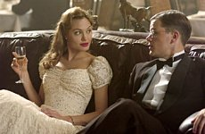 Socialite Clover (ANGELINA JOLIE) and dashing young OSS spy recruit Edward (MATT DAMON) in the espionage thriller The Good Shepherd, directed by Robert De Niro. Copyright: © 2006 Universal Studios. ALL RIGHTS RESERVED.