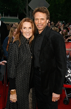 Producer Jerry Bruckheimer (R) and wife Linda Bruckheimer at the World Premiere of Pirates Of The Caribbean: At World's End at Disneyland on May 19th, 2007 in Anaheim, California. Kevin Winter. 2007 Disney Enterprises, Inc. All Rights Reserved.