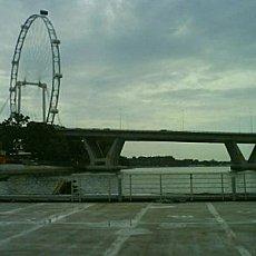 Benjamin Sheares Bridge and the Singapore Flyer. Photo Credit:  Aranho