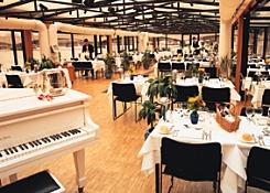 Bateaux London Restaurant Cruises