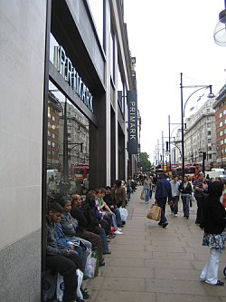 Oxford Street, London. Photo Credit: LoopZilla. C.C.License