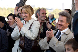 Kate (EMMA THOMPSON) and Harvey (DUSTIN HOFFMAN) in LAST CHANCE HARVEY. Momentum Pictures