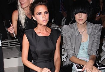Victoria Beckham and Agyness Deyn watch from the front at the Burberry Prorsum Spring/Summer 2010 Show at Rootstein Hopkins Parade Ground during London Fashion Week on September 22, 2009 in London, England. (Photo by Getty Images/Getty Images for Burberry)