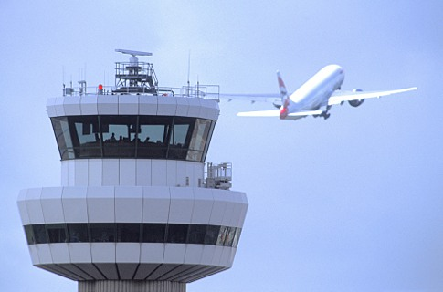 London Gatwick control tower. Copyright Gatwick Airport 2015