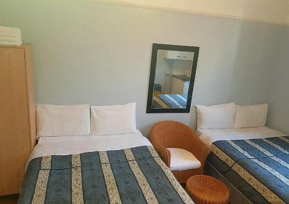 Anwar House Hotel
