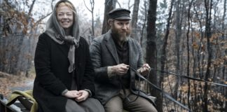 Sarah Snook as Sarah Greenbaum and Seth Rogen as Herschel Greenbaum in An American Pickle, directed by Brandon Trost. Photo: Hopper Stone. Copyright: Sony Pictures/Warner Bros. Entertainment Inc. All Rights Reserved.