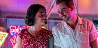 Geraldine Viswanathan as Lucy and Dacre Montgomery as Nick in The Broken Hearts Gallery, directed by Natalie Krinsky. Photo: George Kraychyk. Copyright: 2020 Columbia TriStar Marketing Group, Inc. All Rights Reserved.