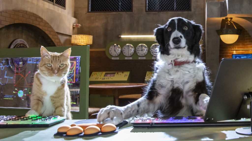 Gwen (voiced by Melissa Rauch) and Roger (Max Greenfield) in Cats & Dogs: Paws Unite!, directed by Sean McNamara. Photo: Ryan Plummer. Copyright: 2020 Warner Bros. Entertainment Inc. All Rights Reserved.