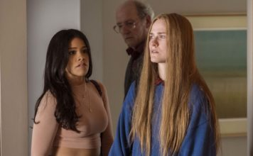Gina Rodriguez as Melanie, Richard Jenkins as Robert Dyne and Evan Rachel Wood as Old Dolio Dyne in Kajillionaire, directed by Miranda July. Photo: Matt Kennedy. Copyright: 2020 Focus Features, LLC. All Rights Reserved.