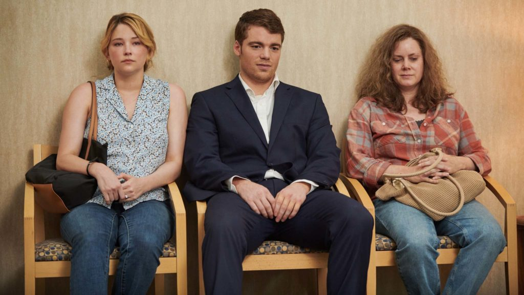 Haley Bennett as Lindsay, Gabriel Basso as JD Vance and Amy Adams as Bev in Hillbilly Elegy, directed by Ron Howard. Photo: Lacey Terrell. Copyright: 2020 Netflix. All Rights Reserved.