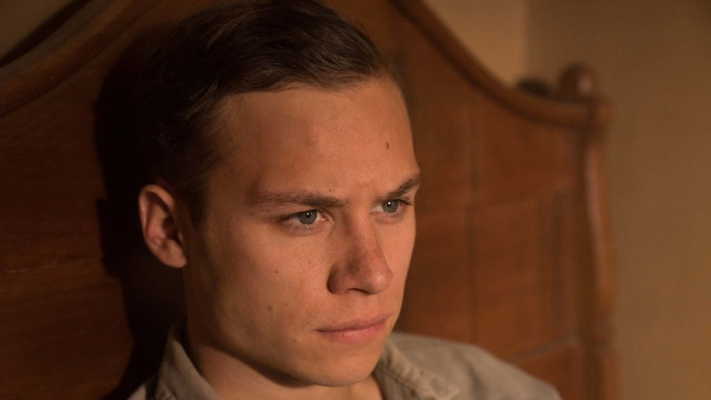 Finn Cole as Eugene Baker in Dreamland, directed by Miles Joris-Peyrafitte. Photo: Ursula Coyote. Copyright: 2018 Dreamland NM, LLC. All Rights Reserved.