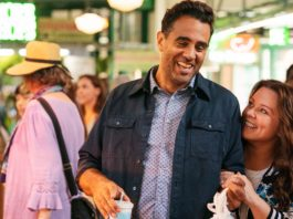 Bobby Cannavale as George and Melissa McCarthy as Carol Peters in Superintelligence, directed by Ben Falcone. Photo: Hopper Stone. Copyright: 2018 Warner Bros. Entertainment Inc. All Rights Reserved.