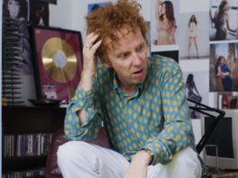 Ewen Bremner as Alan McGee in Creation Stories, directed by Nick Moran. Copyright: 2020 Creation Stories Ltd. All Rights Reserved.