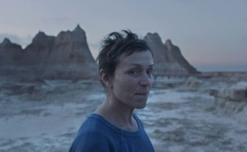 Frances McDormand as Fern in Nomadland, directed by Chloe Zhao. Copyright: Searchlight Pictures/20th Century Studios. All Rights Reserved.