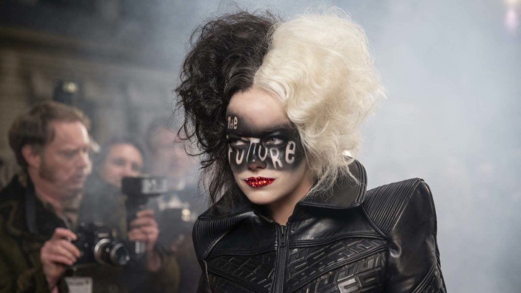 Emma Stone as Cruella in Cruella, directed by Craig |Gillespie. Photo: Laurie Sparham. Copyright: 2021 Disney Enterprises. All Rights Reserved.